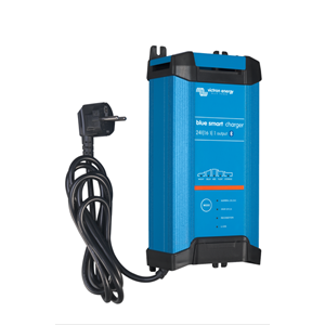 Blue Smart IP22 Charger 24/16(1) 230V CEE 7/7